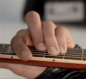 major bar chord close up how to play barre chords for beginners